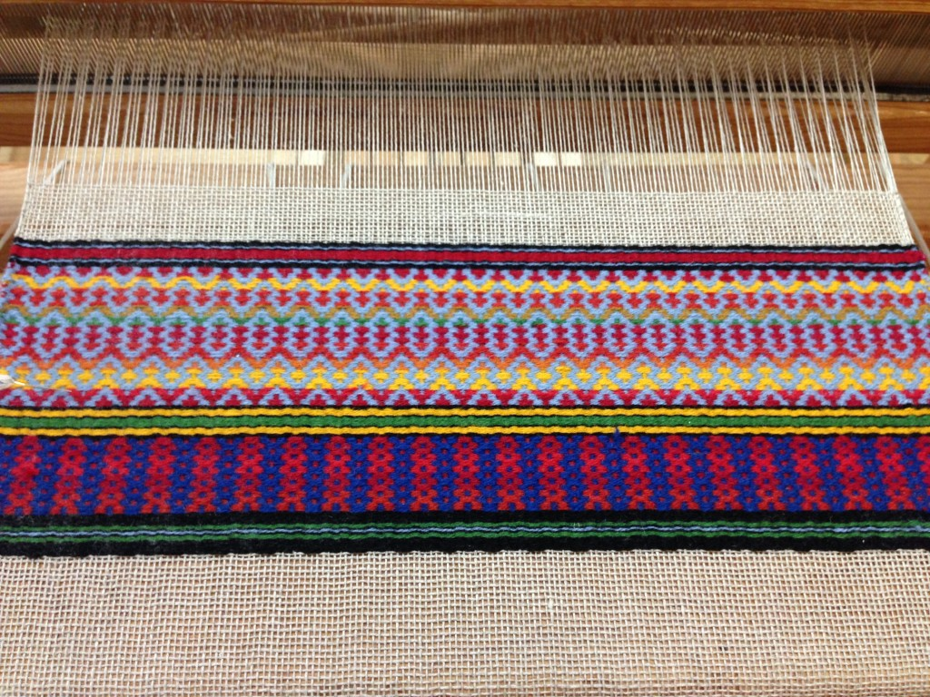 Swedish Rosepath on the loom at Vävstuga.
