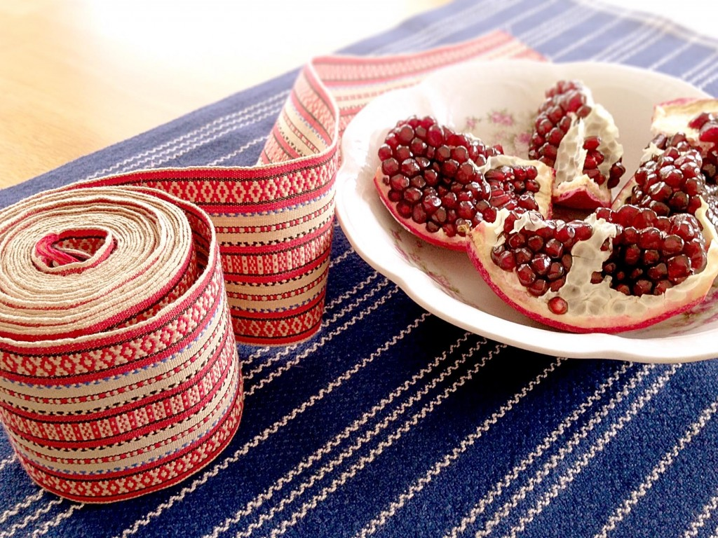 Turned rosepath ribbon and classic point twill hand towel for serving pomegranate seeds.