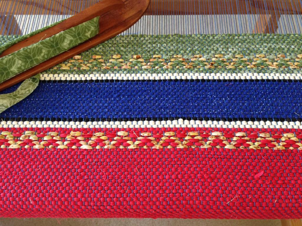 Rosepath rag rug on the loom.