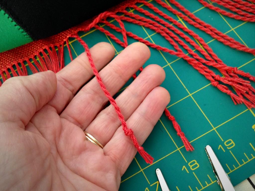 Making twisted fringe. Step-by-step pics.