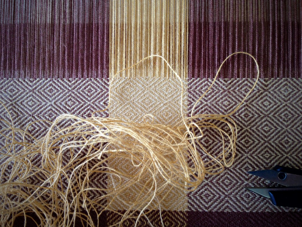 Undoing a weaving mistake. Tutorial.
