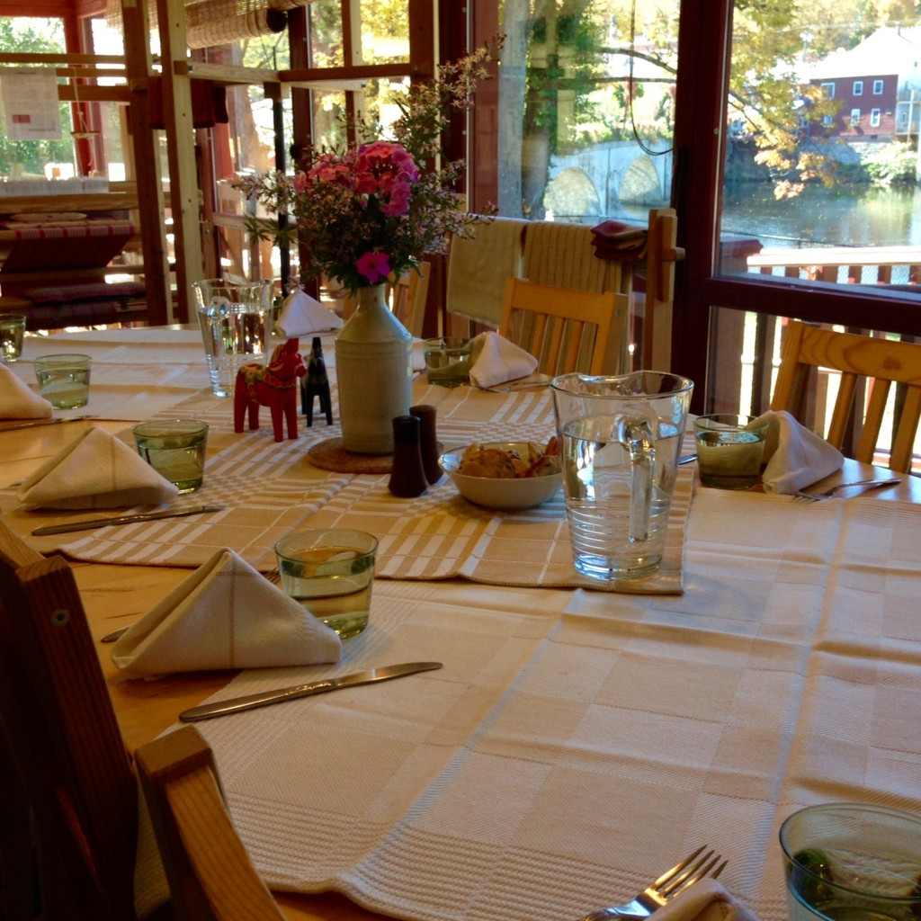 Mealtime at Vavstuga, with handwoven tablecloths and napkins, of course.
