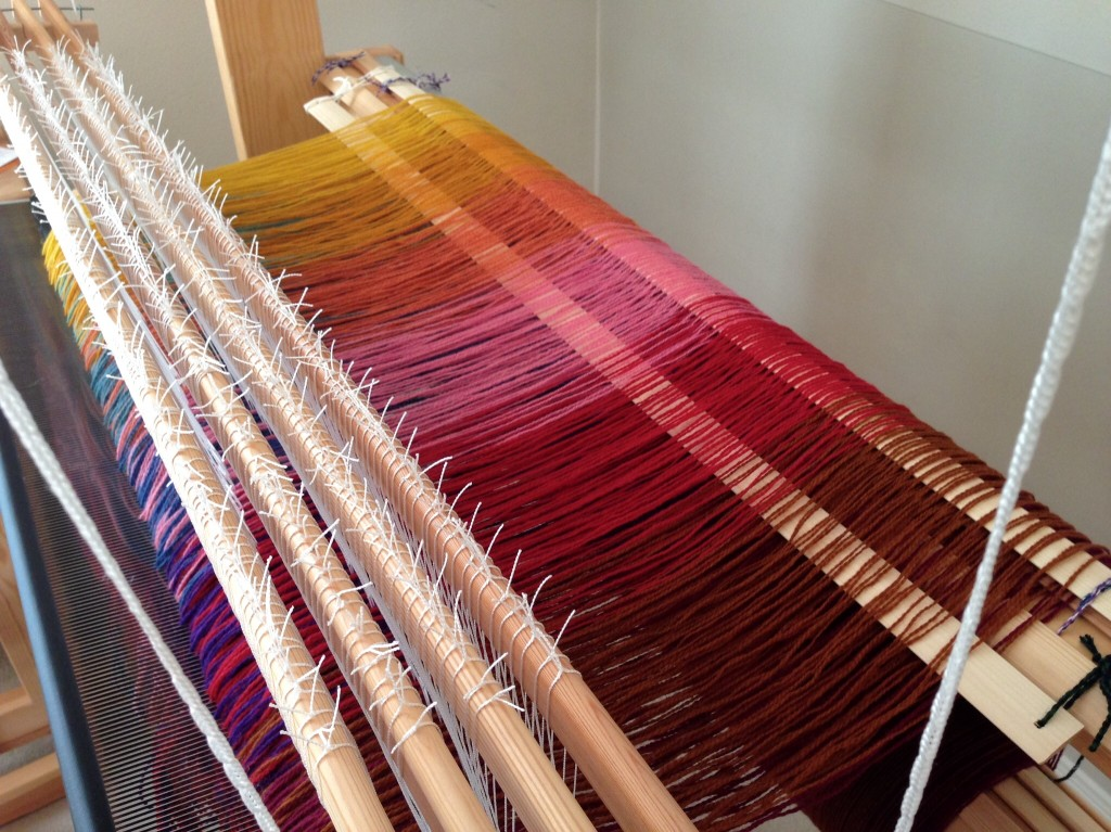 Two set of lease sticks for double weave blanket.