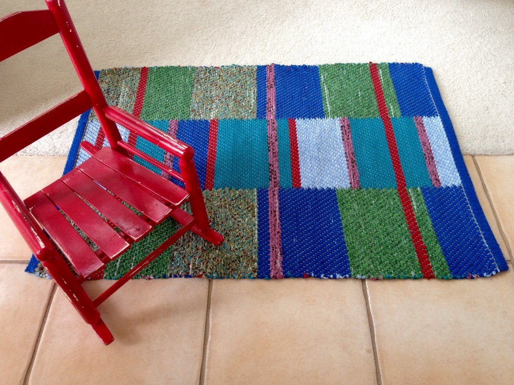 Finished double-binding twill rag rug. Karen Isenhower
