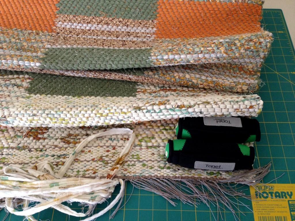 Information for hemming rag rugs.