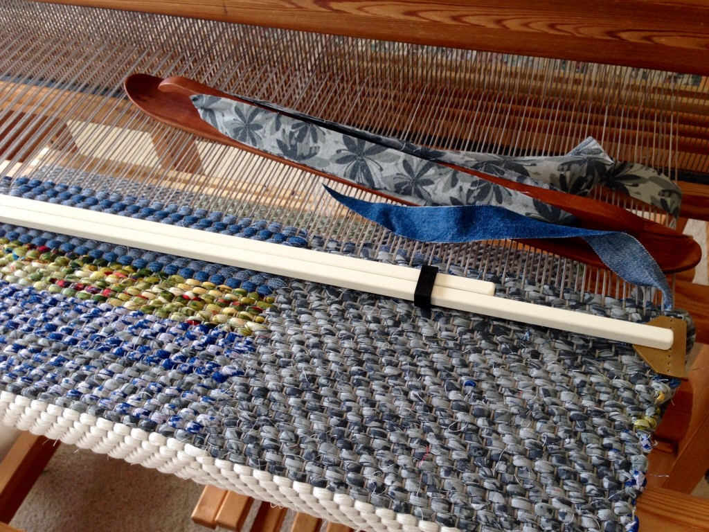 Double binding rag rug on the loom.
