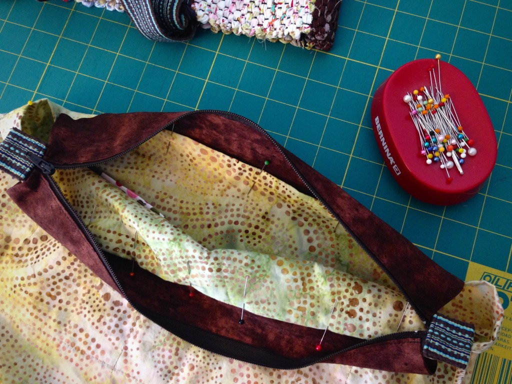 Making zippered lining for handwoven bag. How to pics.