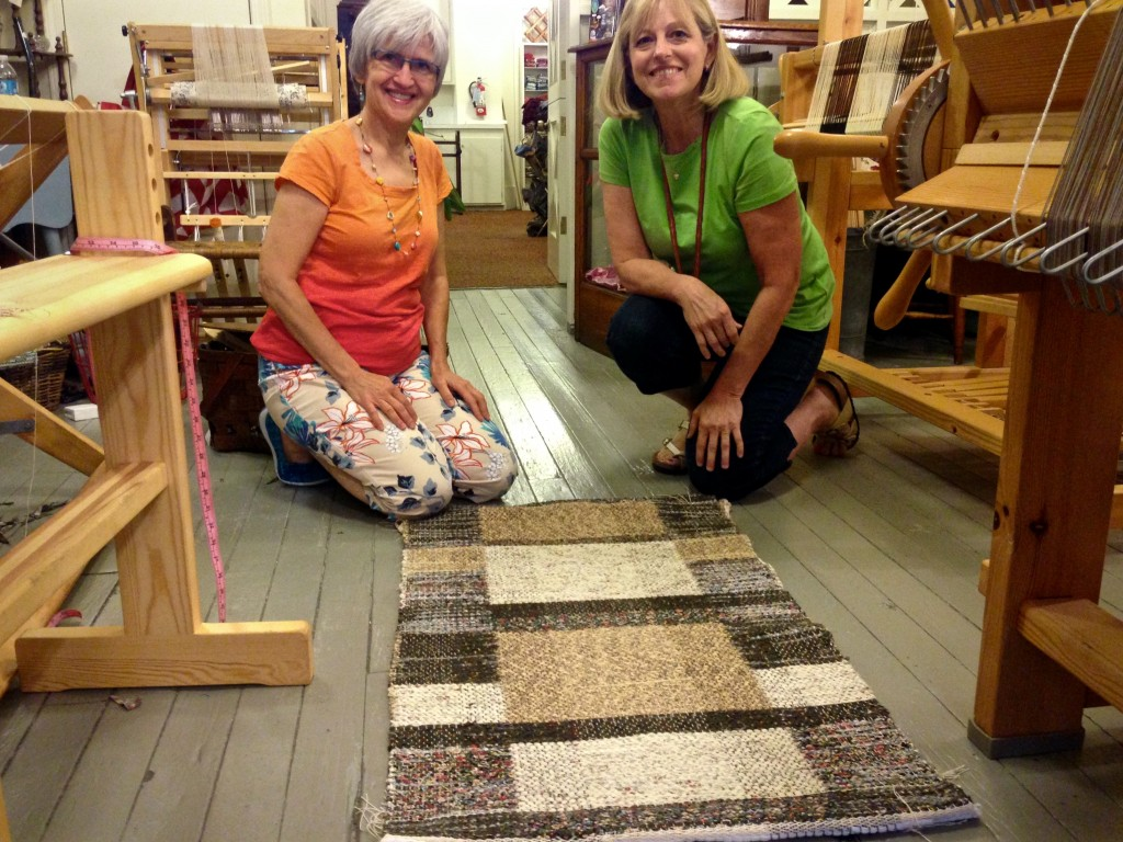 Double binding rag rug workshop at Red Scottie Fibers.