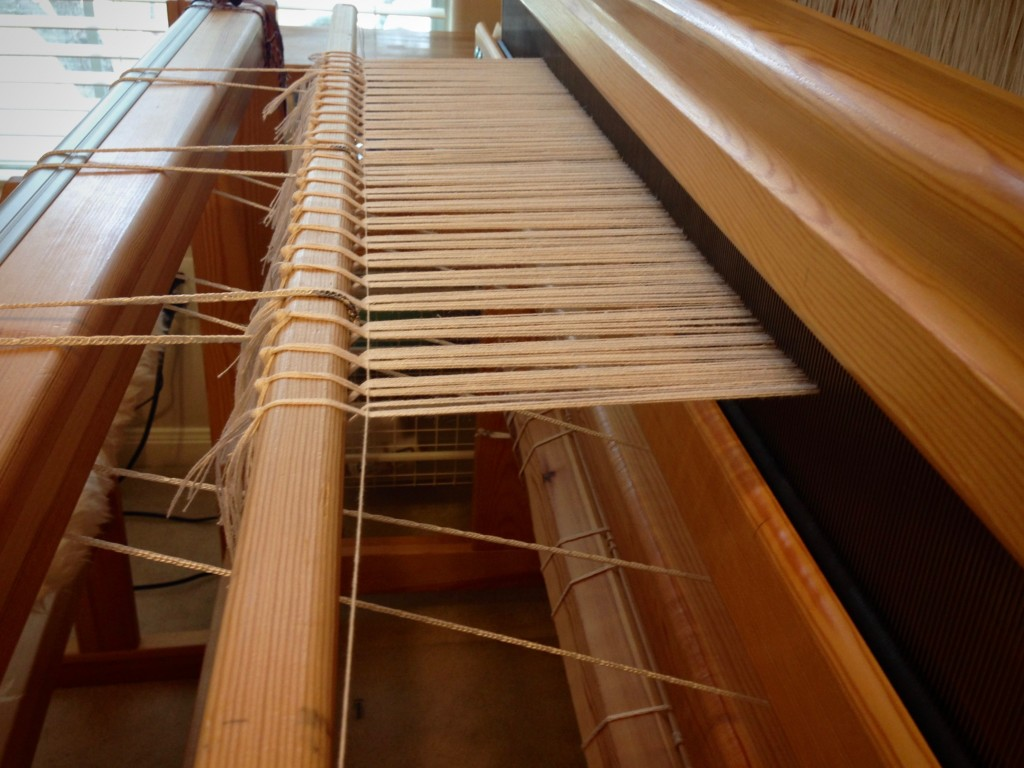 Beginning of cottolin warp, set up for halvdräll.