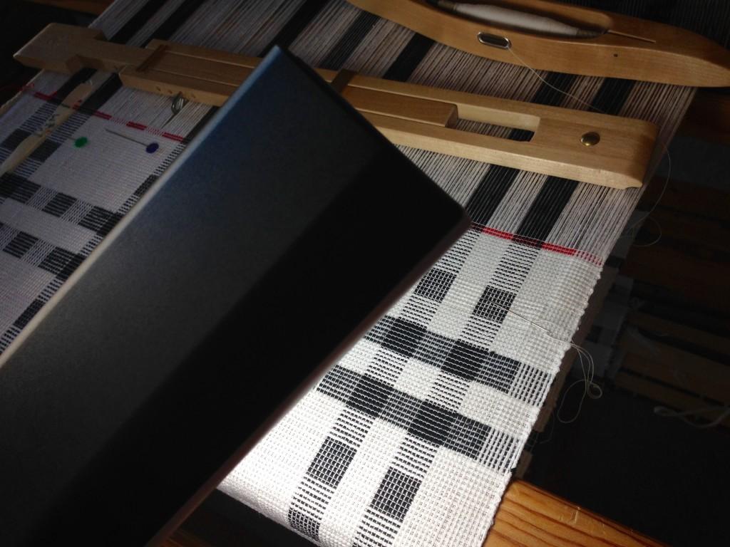 Repairing broken thread requires task lighting.