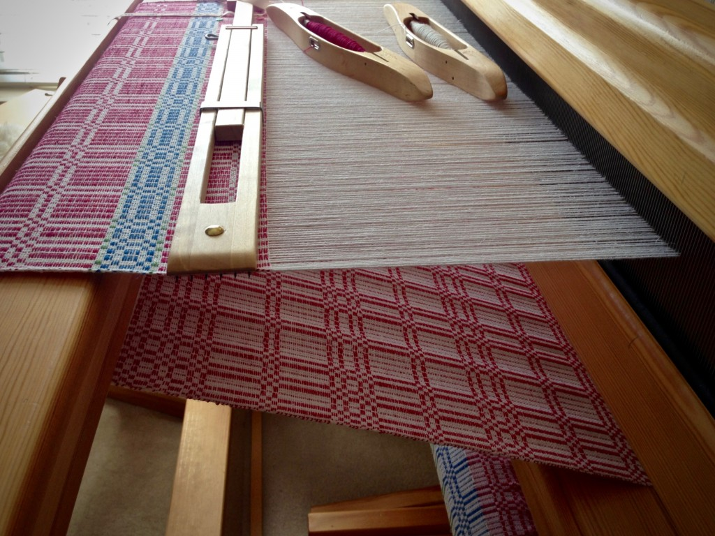 Halvdräll table squares on the loom. Karen Isenhower