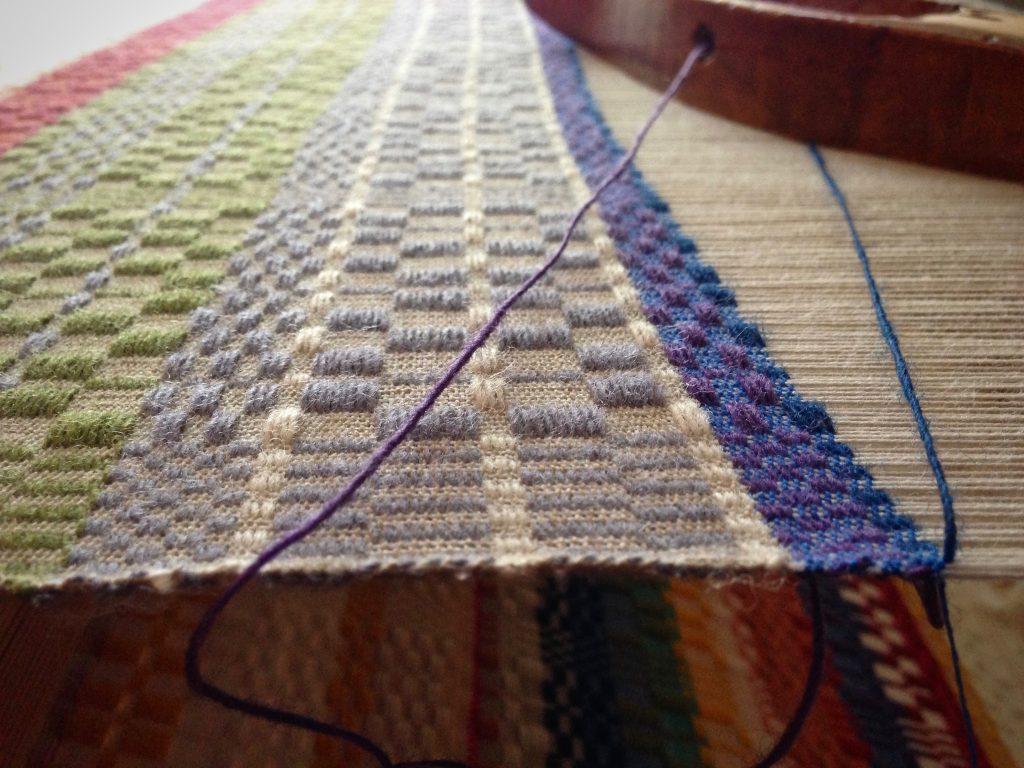 Monksbelt with Faro wool pattern weft.