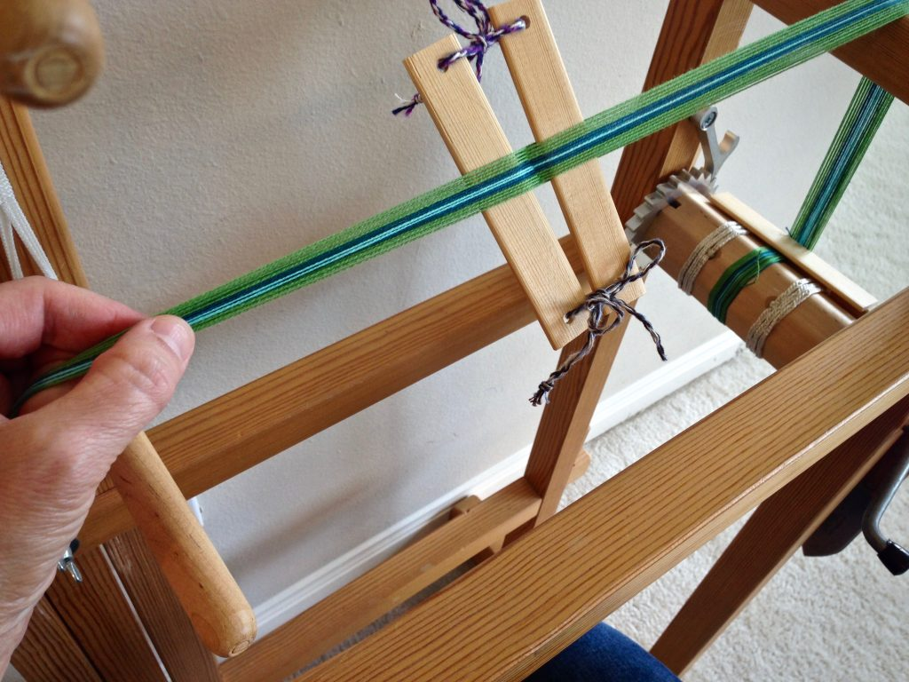 Band loom warping tutorial.