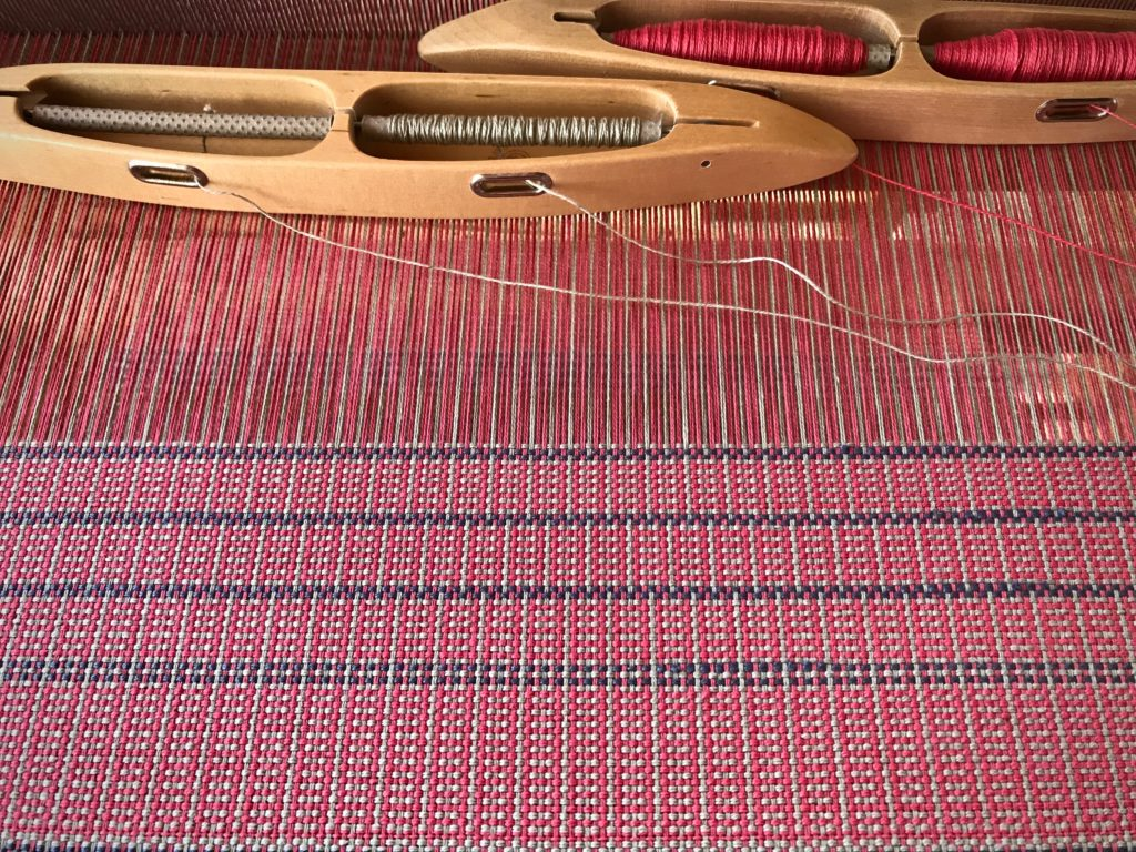 Color and weave plainweave placemats.