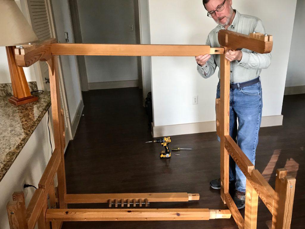 Simple Swedish loom assembling.