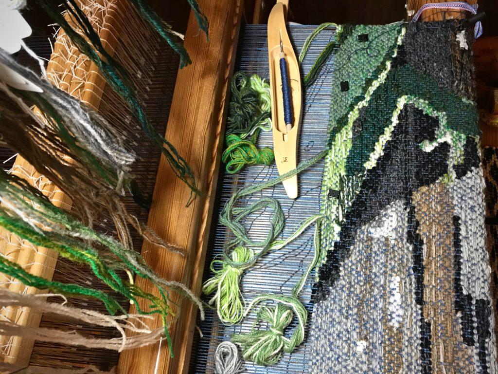 Lizard four-shaft tapestry.