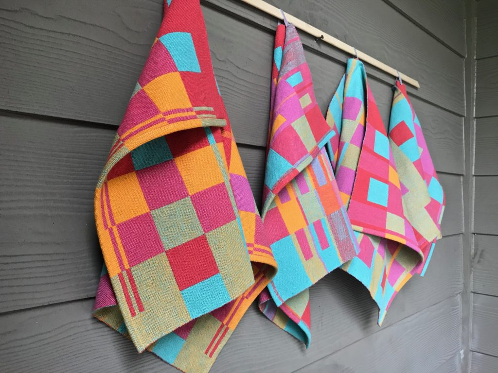 Cottolin towels, hanging from the side. More pics on the blog.
