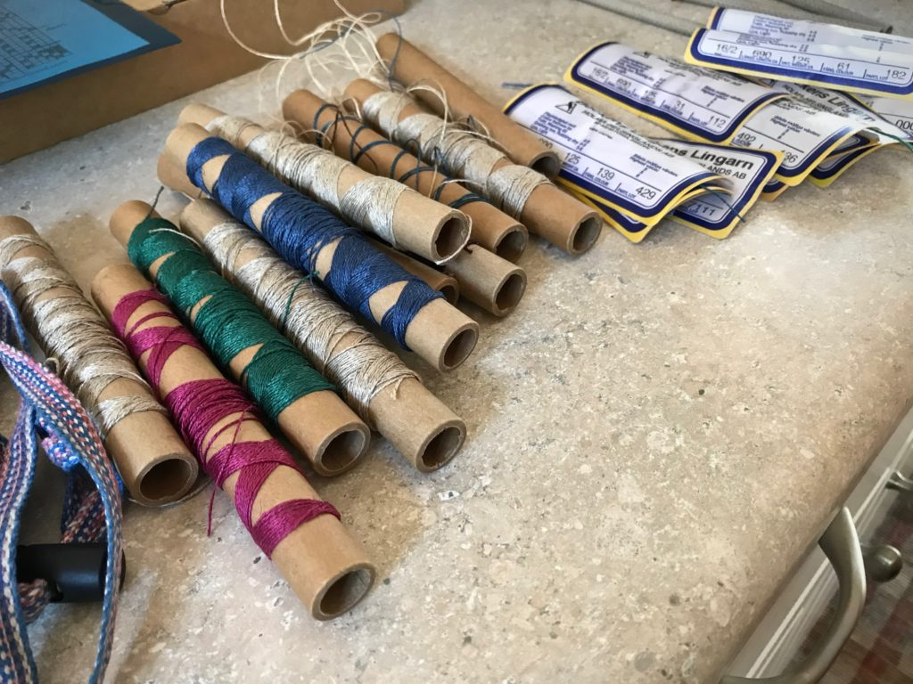 Using linen leftovers for a new warp.