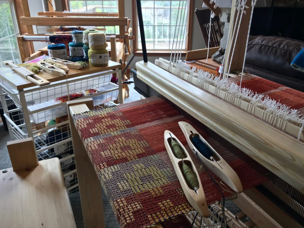 Weaving Jamtlandsdrall (Crackle) on my new Julia.