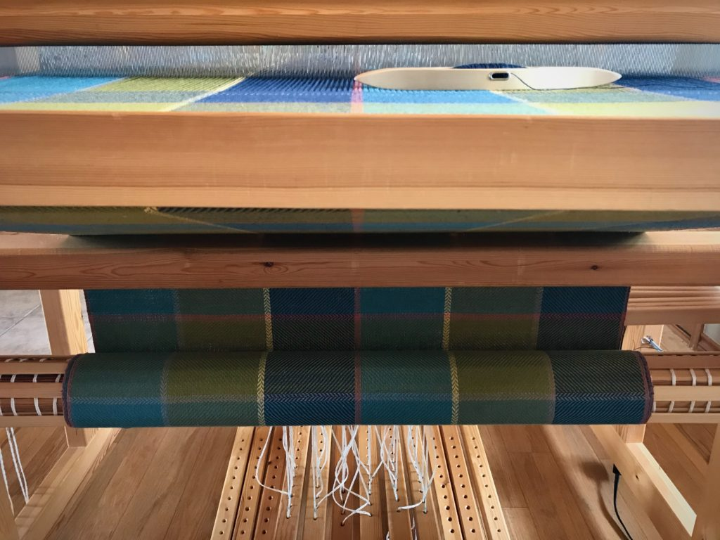 Weaving bath towels on the Glimakra Standard loom.