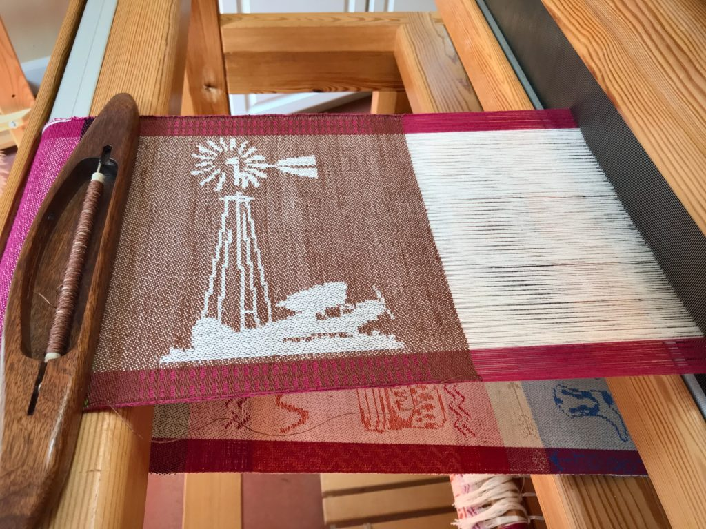 Windmill and Taildragger woven on the drawloom. With time-lapse video.
