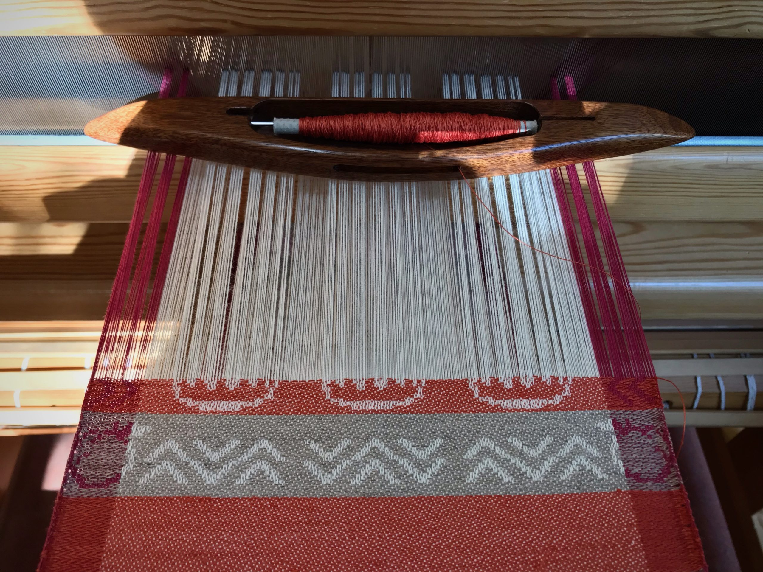Cotton and linen on the drawloom.