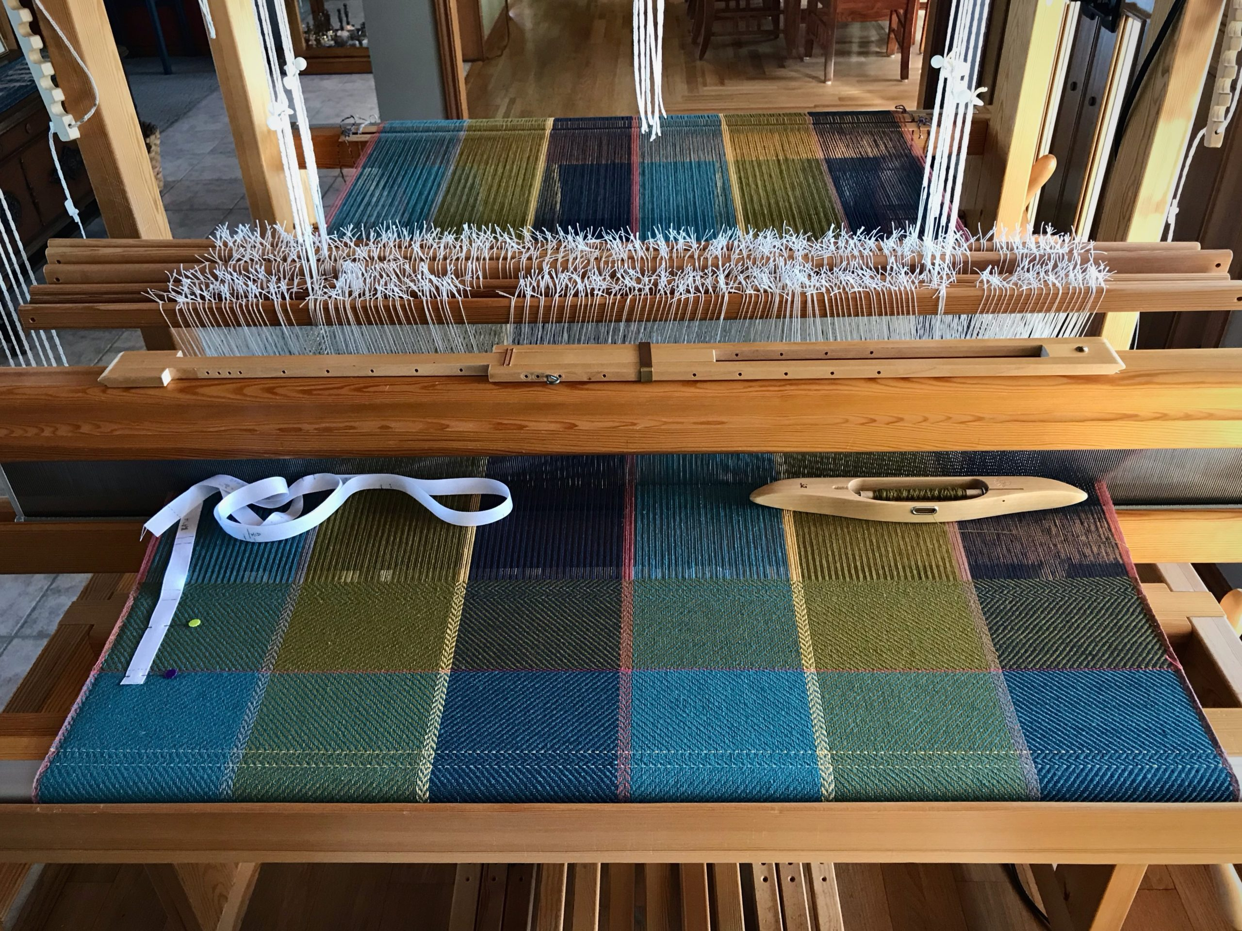Weaving bath towels on the Glimakra Standard.